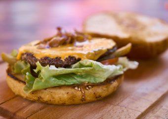 hamburger-with-top-bun-off-1